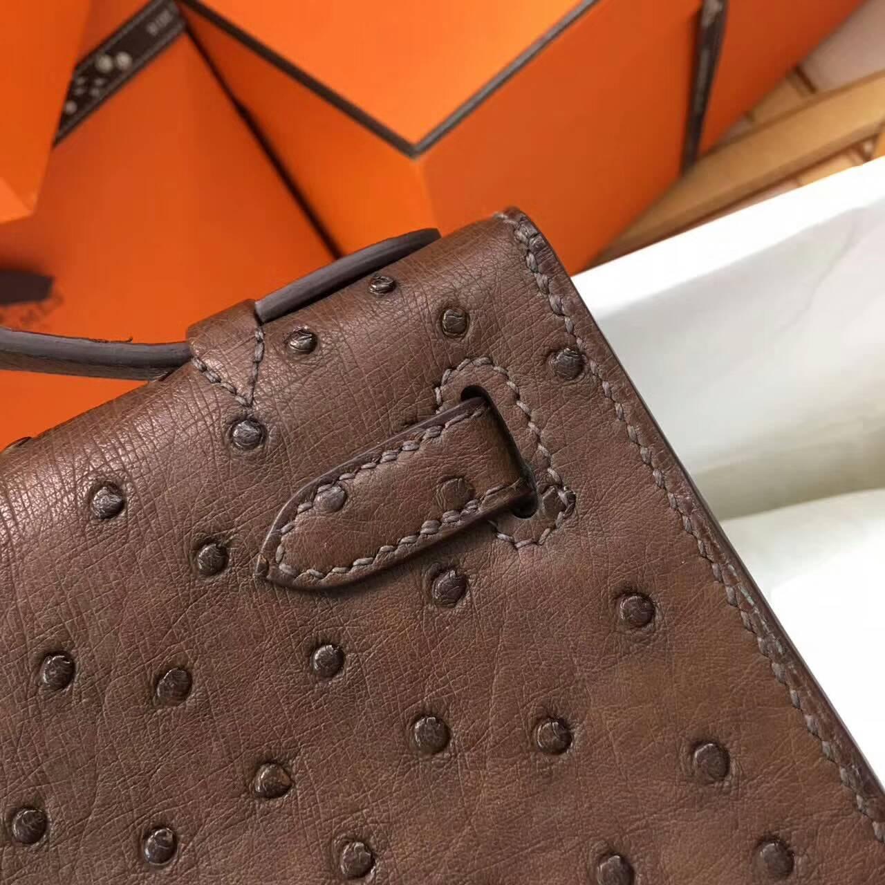 Hermes爱马仕 Mini Kelly pochette 22cm Ostrich Leather 南非原产KK级鸵鸟皮 47 Chocolat 巧克力色 深啡 金扣
