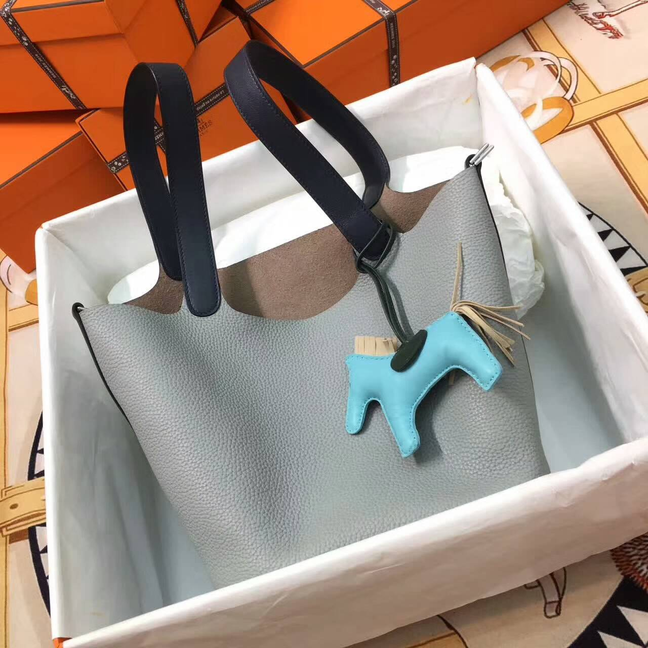 Hermes爱马仕菜篮子 Picotin Lock 22cm Clememce 法国原产Tc皮 80 Gris Perle 珍珠灰拼73 Blue Saphir 宝石蓝 银扣