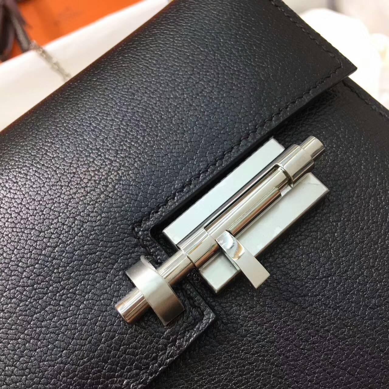 插销包手枪包 爱马仕全球同步发售 Verrou 17cm Chevre Mysore 法国原产山羊皮 89 Nior 黑色 银扣