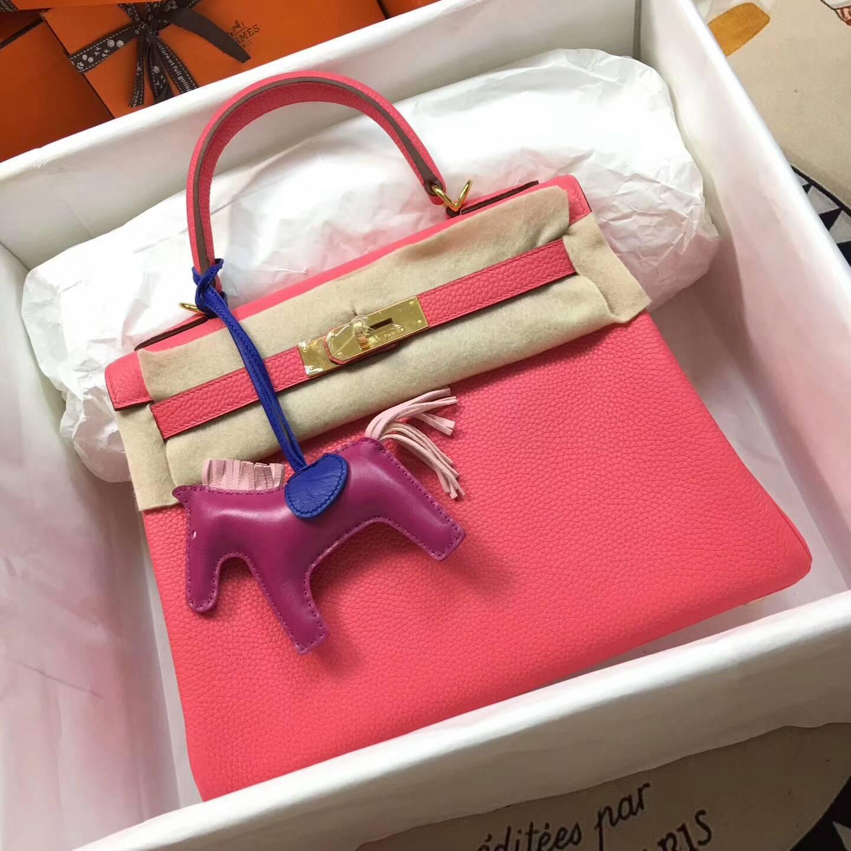 爱马仕Kelly凯丽包28cm 全球代发 Clemence 法国原产Tc皮 8W Rose Azalee 唇膏粉 金扣