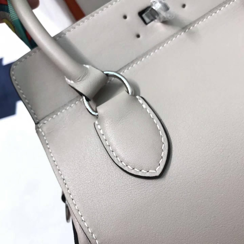 爱马仕全球同步发售 20Toolbox 牛奶包 小胖墩 进口swift皮 8U Glacierw 冰川灰 银扣