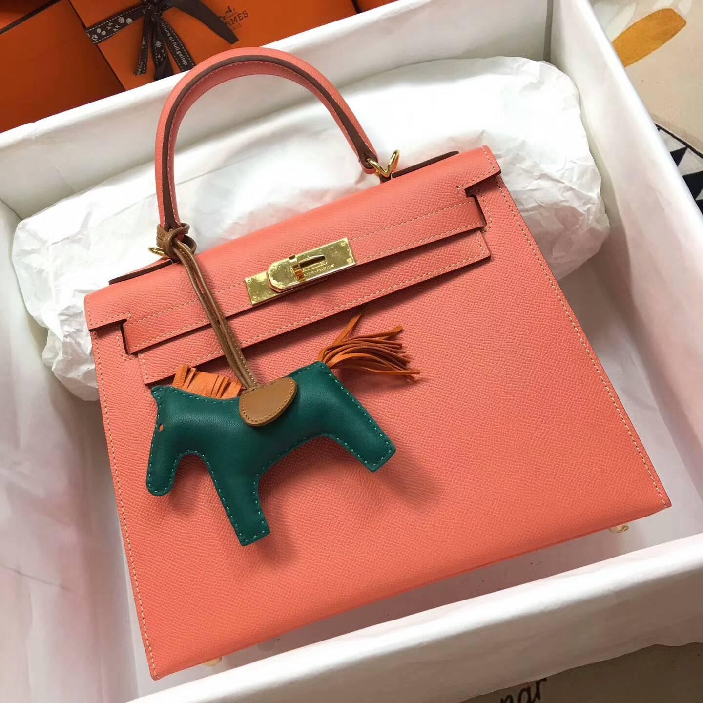 爱马仕Kelly凯丽包28cm 全球代发 Epsom 法国原产掌纹皮 L5 Crevette 龙虾粉 金扣