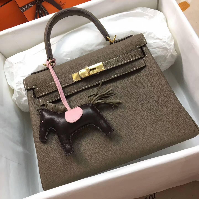爱马仕Kelly凯丽包28cm 全球代发 Clemence 法国原产Tc皮 18 Etoupe 大象灰 金扣