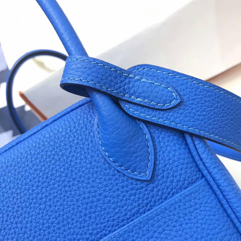 爱马仕包包 Lindy包 26cm Togo皮 7Q Mykonos 希腊蓝 爱情海蓝 银扣 高贵冷艳的蓝色系