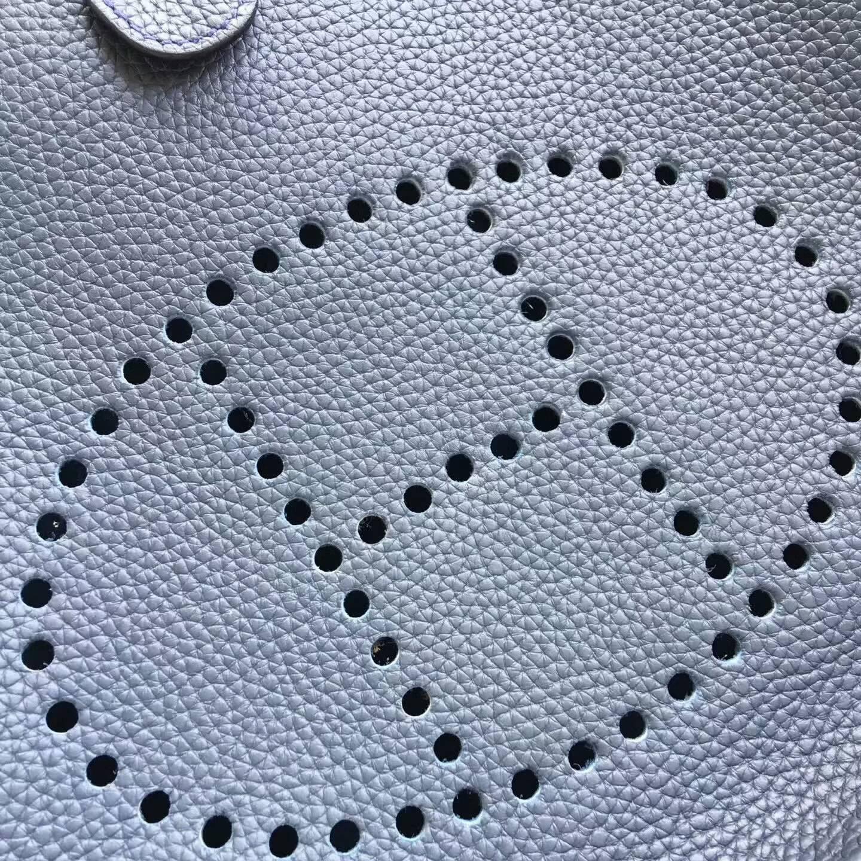 爱马仕包包 Evelyne伊芙琳 28cm Clemence 法国原产Tc皮 73 Blue Saphir 宝石蓝 银扣