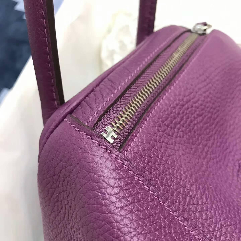 爱马仕包包 Lindy包 30cm 进口Togo皮 P9 Anemonb 海葵紫 银扣 很有韵味的紫