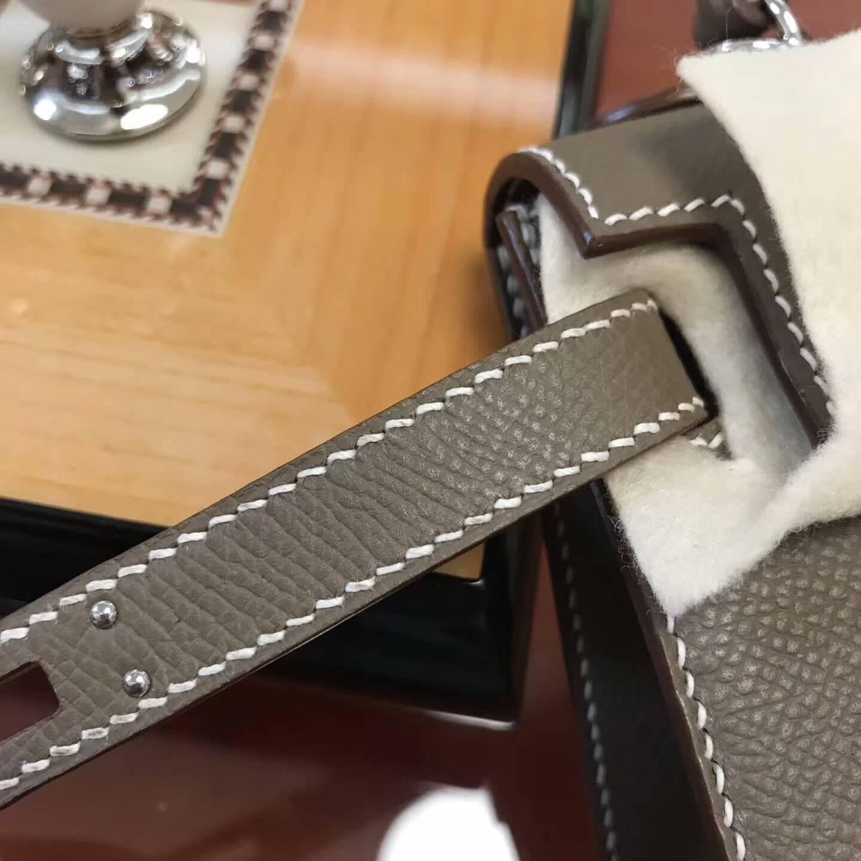 Hermes包包 爱马仕Mini Kelly二代 CC18 Etoupe 大象灰 银扣