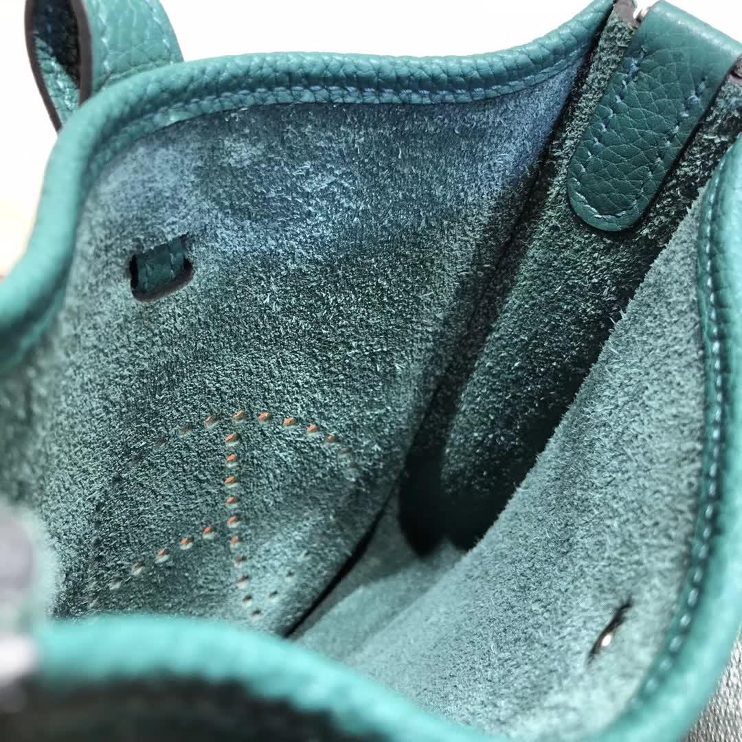 爱马仕包包批发 Evelyne 17cm Tc Z6 Malachite 孔雀绿 银扣 顶级工艺 迷你号超级可爱