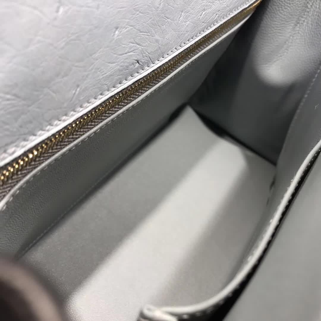 广州爱马仕包包 Hermes Kelly 28cm Ostrich Leather 8U Glacierw 冰川灰 冰川蓝 金扣 纯手缝蜡线