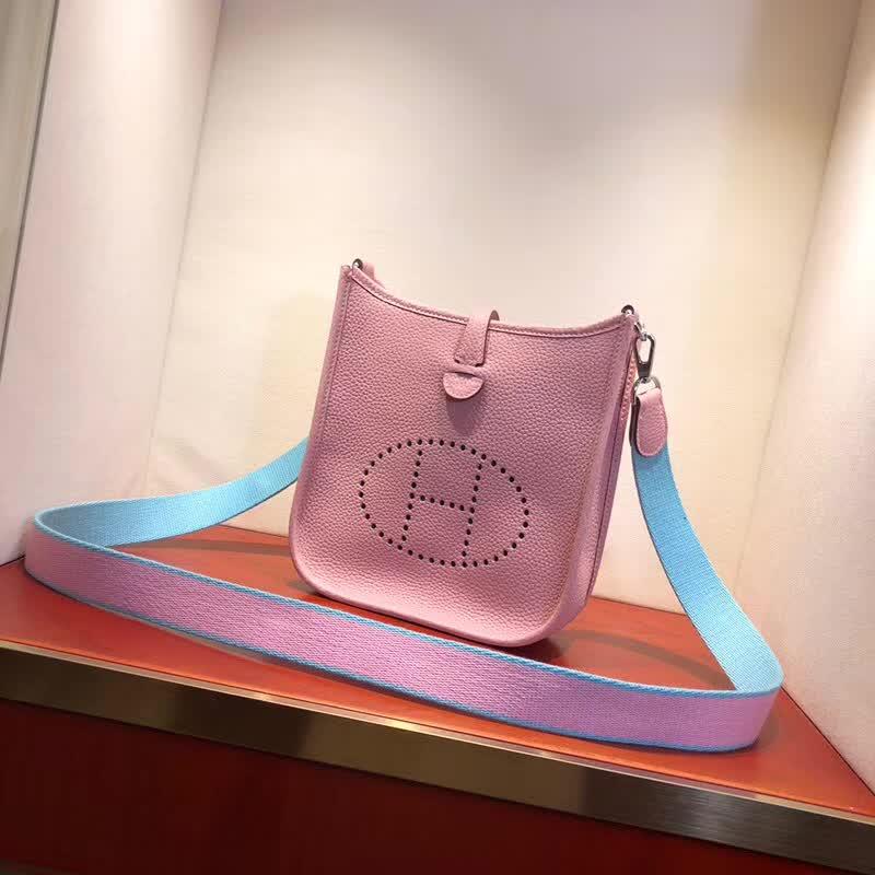 爱马仕包包批发 Evelyne 17cm Tc 3Q Rose Sakura 芭比粉 银扣 顶级工艺 迷你号超级可爱