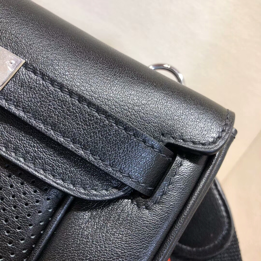 广州爱马仕包包 Berline 20cm Swift 89 Nior 黑色 银扣 小巧可爱容量大
