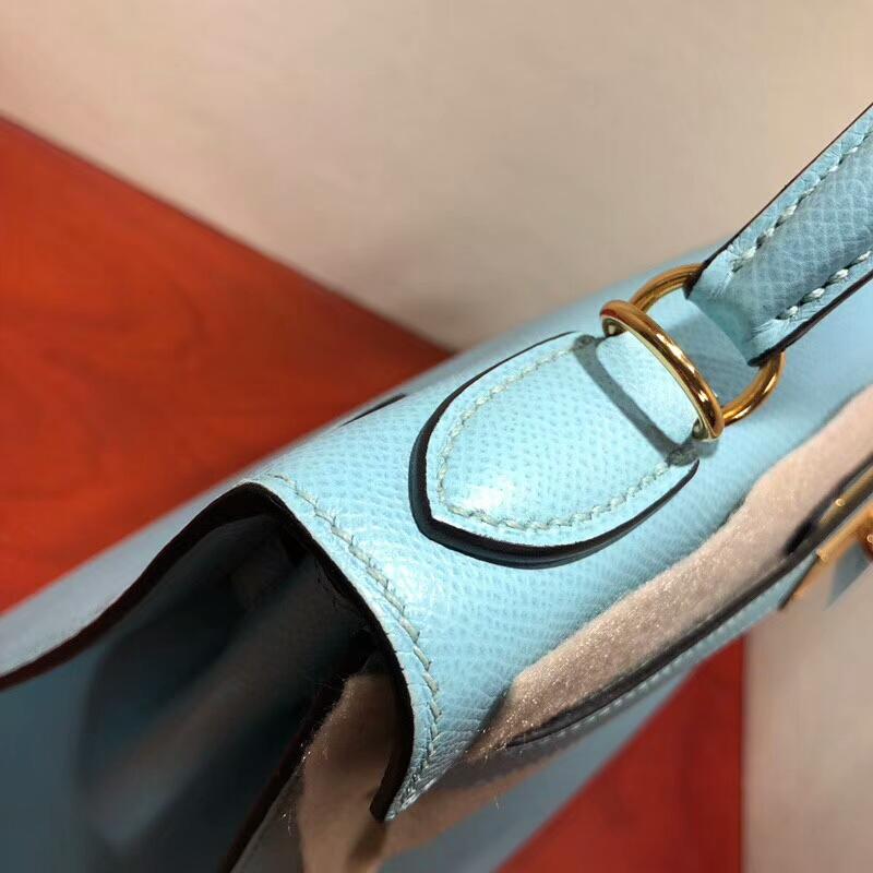 爱马仕包包批发 Kelly 28cm Epsom 3P Blue Atoll 马卡龙蓝 金扣 手缝蜡线