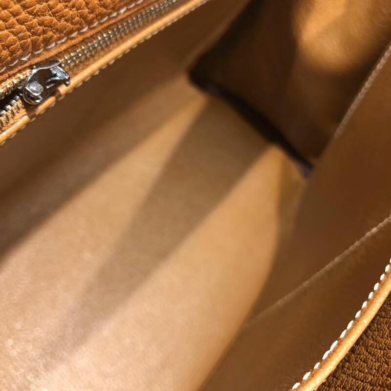 爱马仕包包 Kelly 28cm Togo 37 Gold 金棕 银扣 手缝蜜蜡线