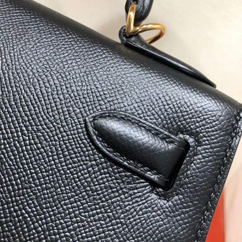 爱马仕包包批发 Kelly 28cm Epsom 89 Noir 黑色 金扣 手缝蜡线