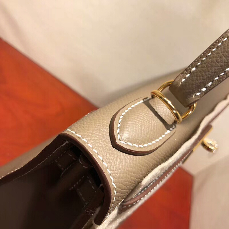 爱马仕包包批发 Kelly 28cm Epsom 18 Etoupe 大象灰 金扣 手缝蜡线