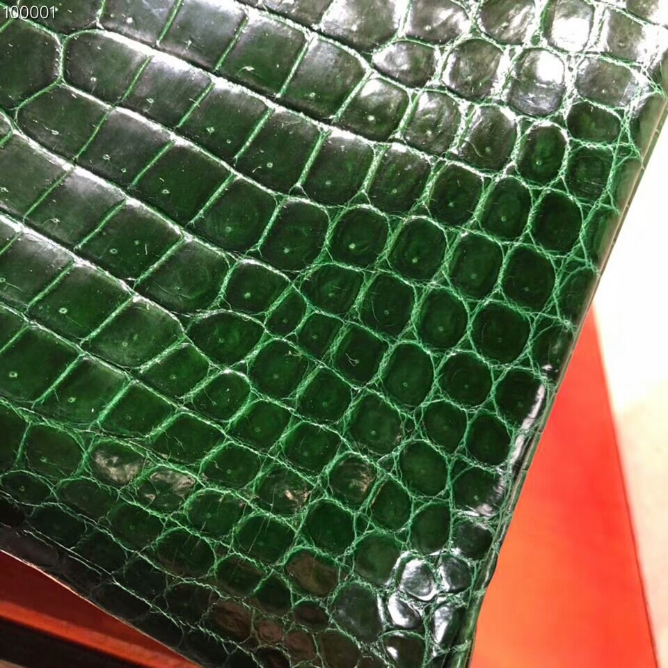 Hermes铂金包 Birkin 30cm Shiny Porosus Crocodile 亮面倒V湾鳄 67 Vert Bengale 祖母绿 金扣 顶级工艺