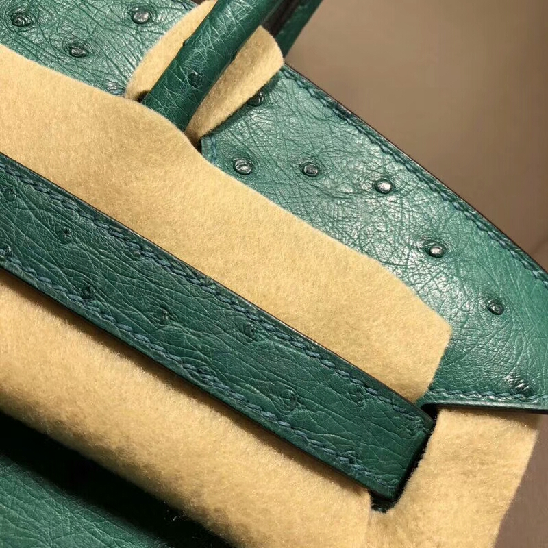 爱马仕包包批发 Birkin 30cm Ostrich Leather Z6 Malachite 孔雀绿 银扣 手缝蜡线