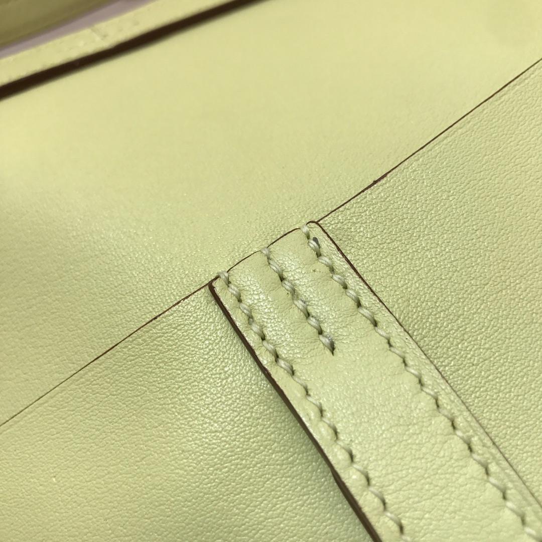 爱马仕包包批发 Mini Halzan 22cm Swift 1Z Jaine Poessin 小鸡黄 银扣 秋天就适合一款mini的包包