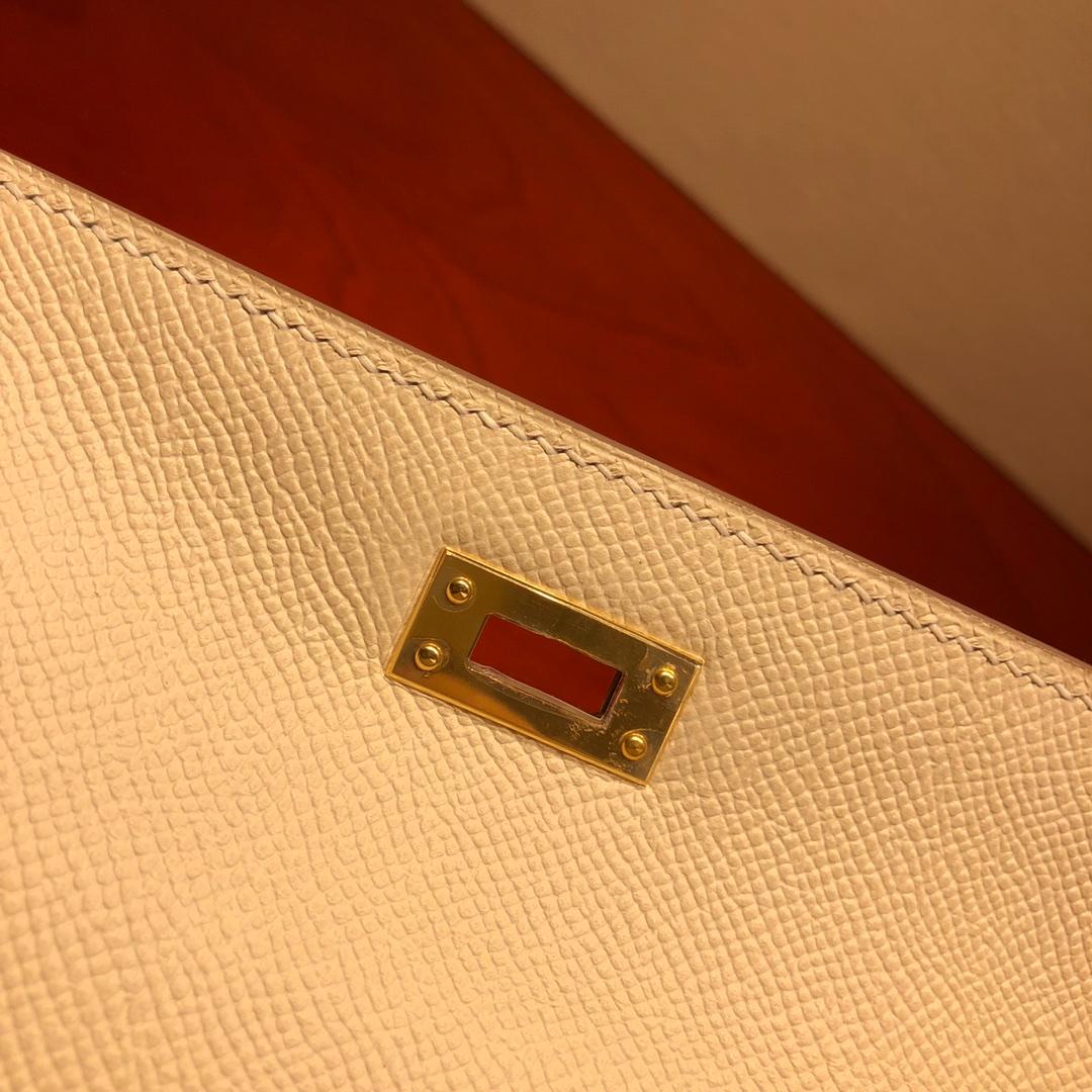 Hermes凯莉包 Kelly 25Cm Epsom 10 Craie 奶昔白 金扣 顶级工艺 手缝蜡线