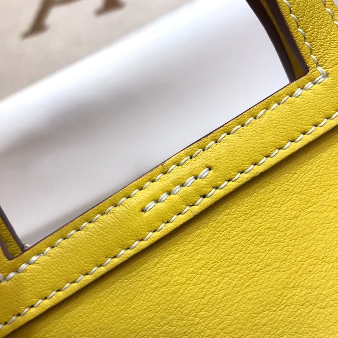 爱马仕包包批发 Mini Halzan 22cm Swift 9R Lime 柠檬黄 银扣 秋天就适合一款mini的包包