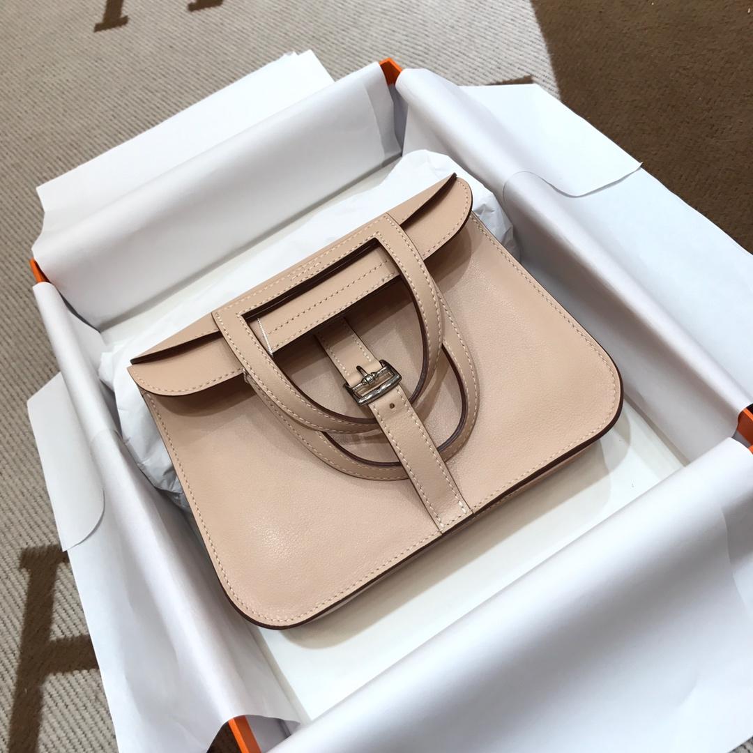 爱马仕包包批发 Mini Halzan 22cm Swift P1 Rose Eglantine 蔷薇粉 银扣 秋天就适合一款mini的包包