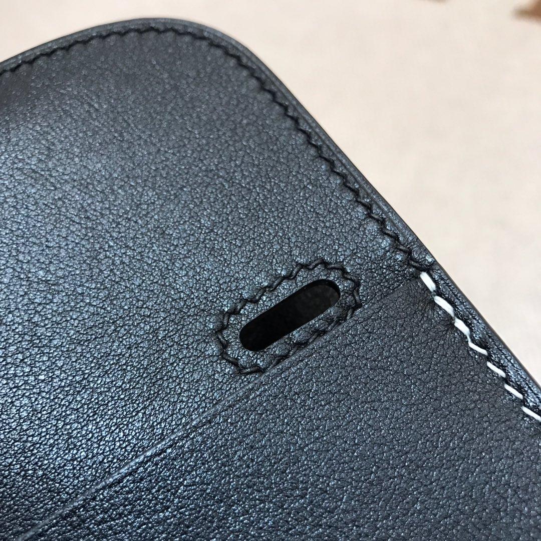 爱马仕包包批发 Mini Halzan 22cm Swift 89 Noir 黑色 银扣 秋天就适合一款mini的包包