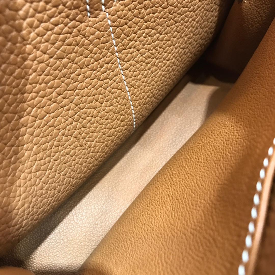 爱马仕包包批发 Mini Halzan 22cm Clemence 37 Gold 金棕 银扣 秋天就适合一款mini的包包