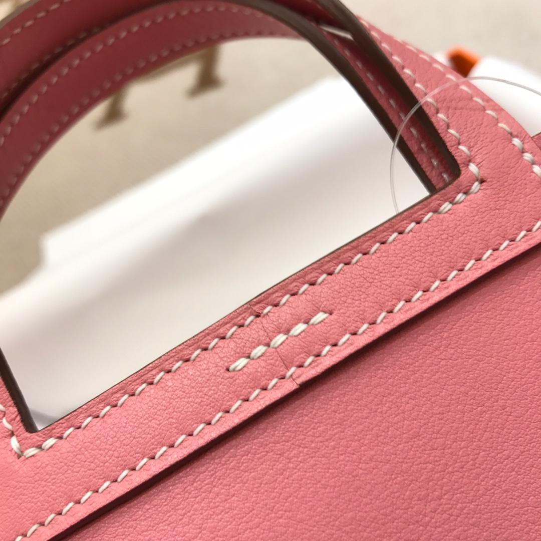 爱马仕包包批发 Mini Halzan 22cm Swift 1Q Rose Conpetti 奶昔粉 银扣 秋天就适合一款mini的包包
