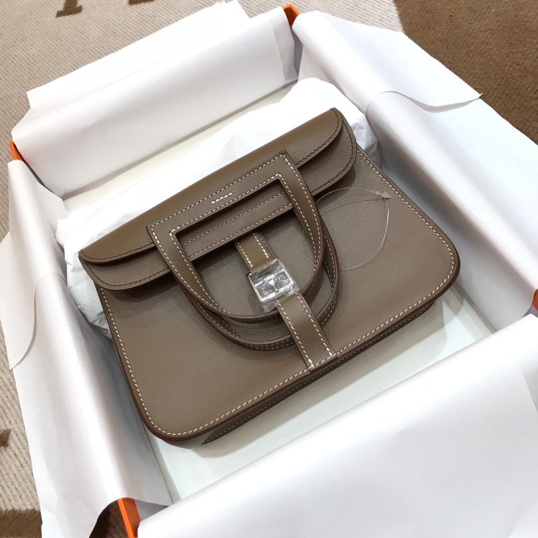 爱马仕包包批发 Mini Halzan 22cm Swift 18 Etoupe 大象灰 银扣 秋天就适合一款mini的包包