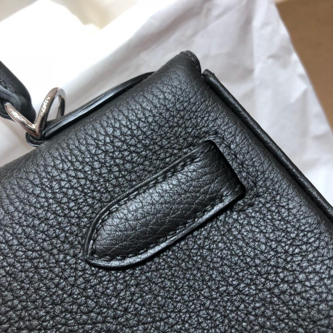 爱马仕包包 Kelly 28cm Togo 89 Noir 黑色 鲨鱼手柄 银扣 顶级工艺 手缝蜡线