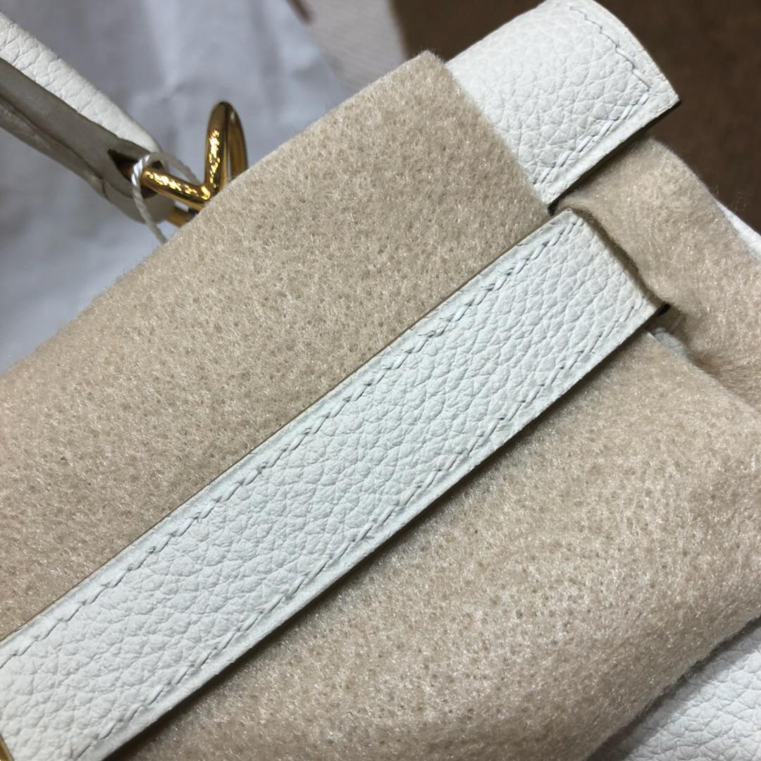 爱马仕包包 Kelly 28cm Togo 10 Craie 奶昔白 金扣 顶级工艺 手缝蜡线