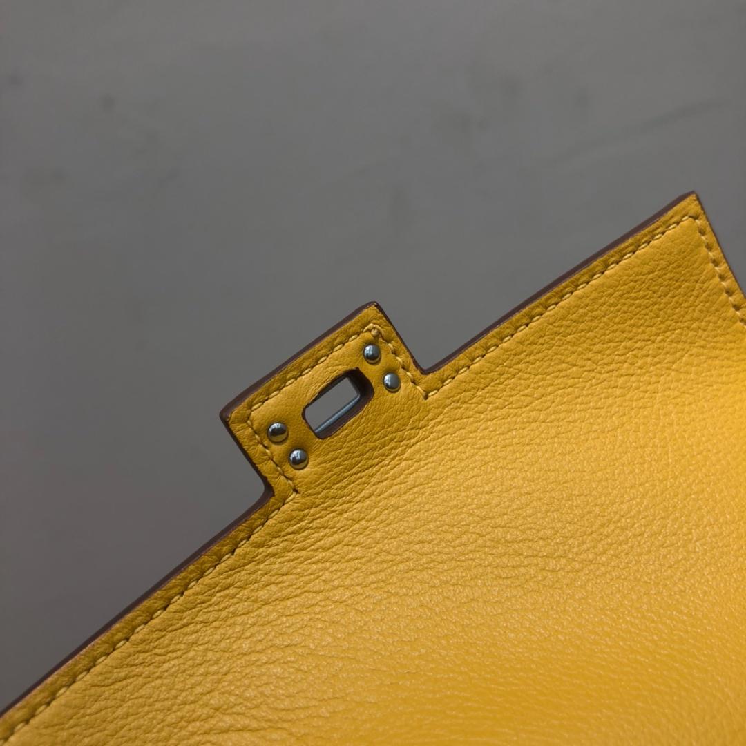 爱马仕包包 Kelly Doll 17cm 法国swift 琥珀黄拼黑色 银扣 顶级工艺 手缝蜡线 超级可耐