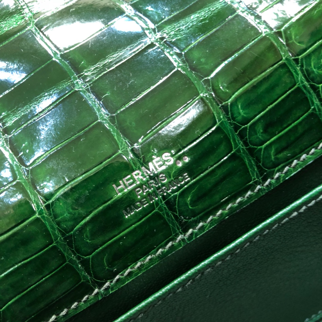Hermes爱马仕 Kelly pochette 22cm Niloticus Crocodile 非洲尼罗鳄 6Q Vert Bengale 祖母绿 银扣