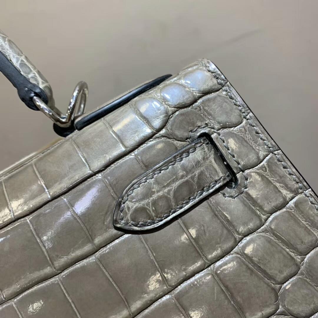Hermes包包 Kelly 28cm Shiny Niloticus Crocodile 81 Gris Tourterle 斑鸠灰 银扣