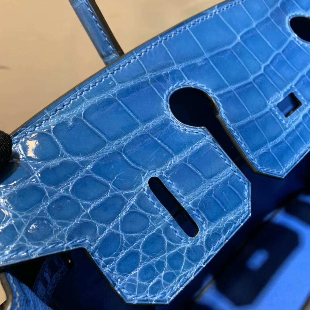 爱马仕包包批发 Birkin 30cm Shiny Niloticus Crocodile 7Q Mykonos 希腊蓝 爱情海蓝 银扣 顶级工艺 全手缝蜡线