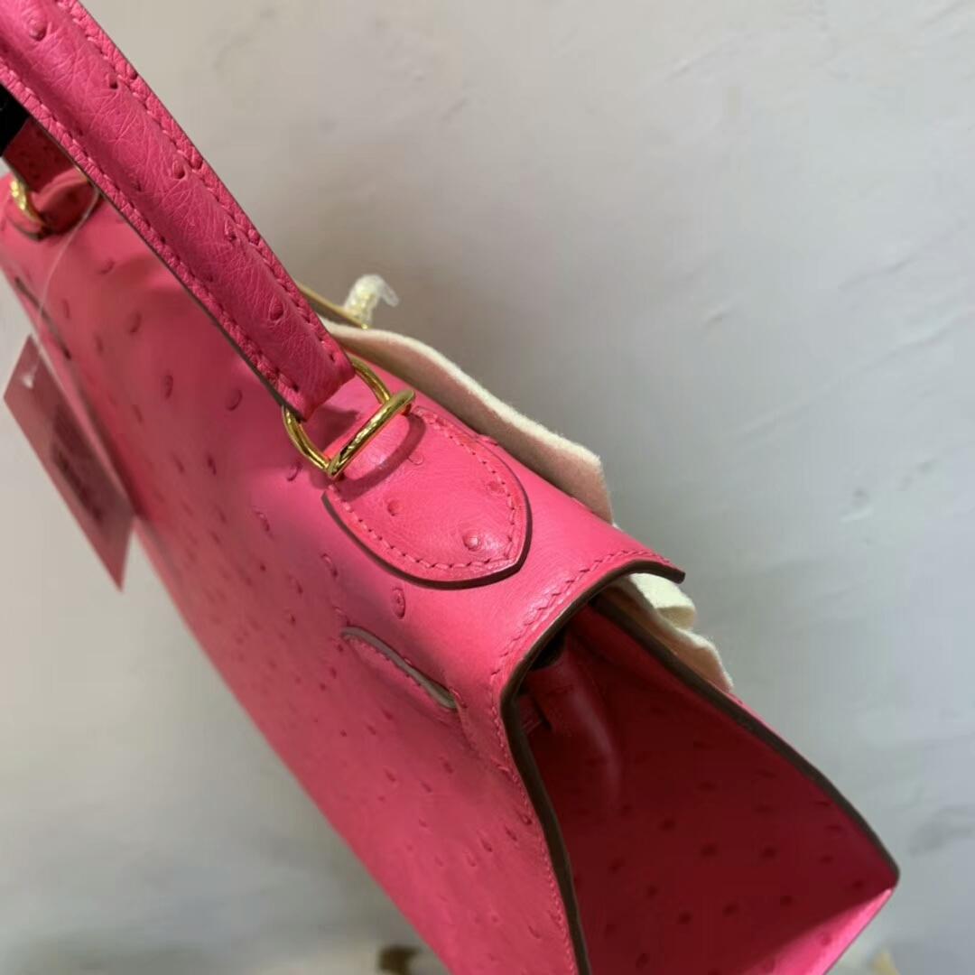 Hermes包包 Kelly 28cm Ostrich Leather 16 Rose Extreme 极致粉 金扣