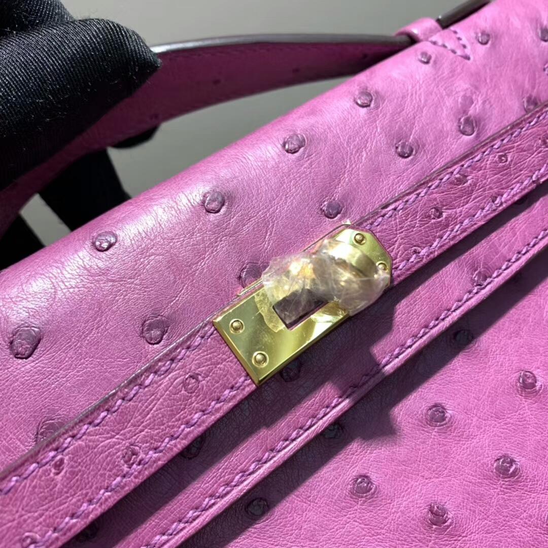爱马仕包包 Mini Kelly Pochette 南非Ostrich 梅紫 金扣 蜜蜡线手缝 现货秒发
