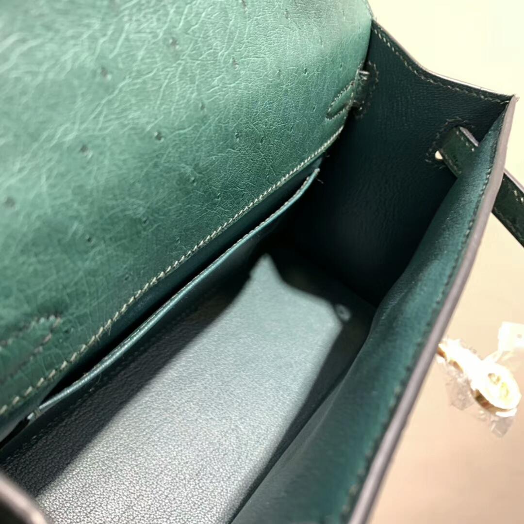 爱马仕包包 Mini Kelly Pochette 南非Ostrich 孔雀绿 金扣 蜜蜡线手缝 现货秒发
