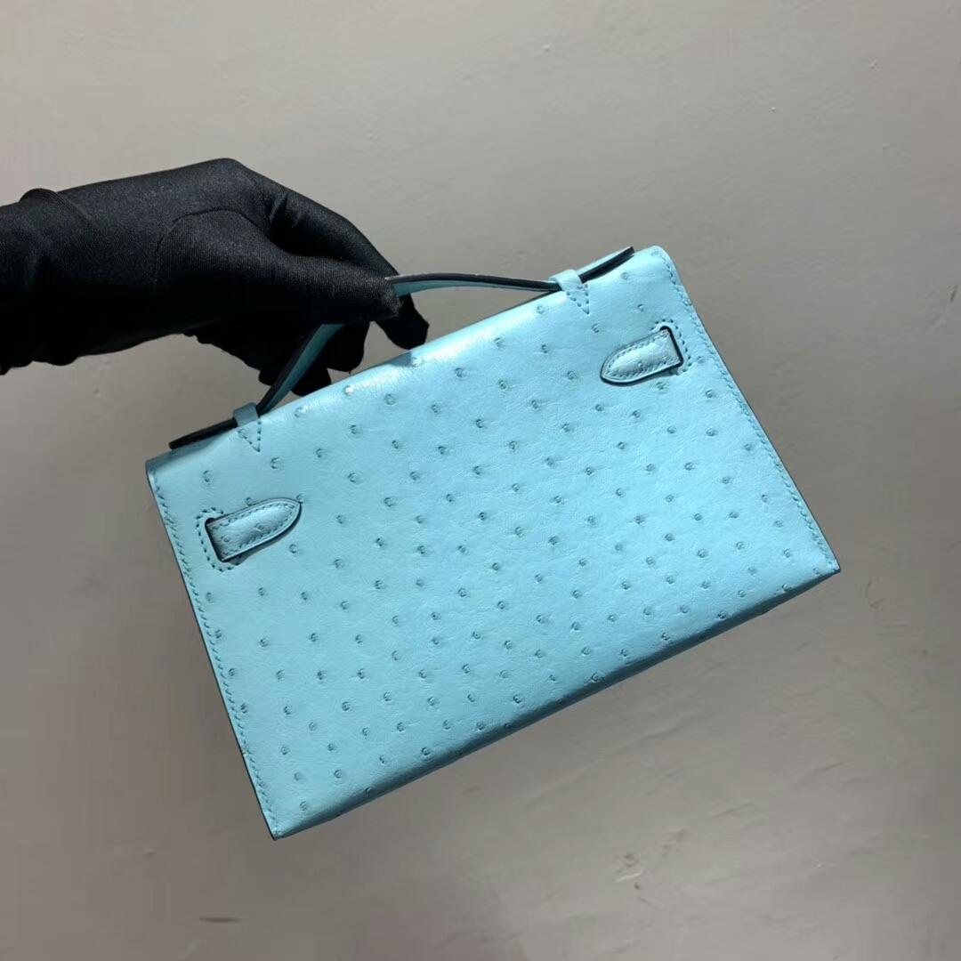爱马仕包包 Mini Kelly Pochette 南非Ostrich 马卡龙蓝 金扣 蜜蜡线手缝 现货秒发