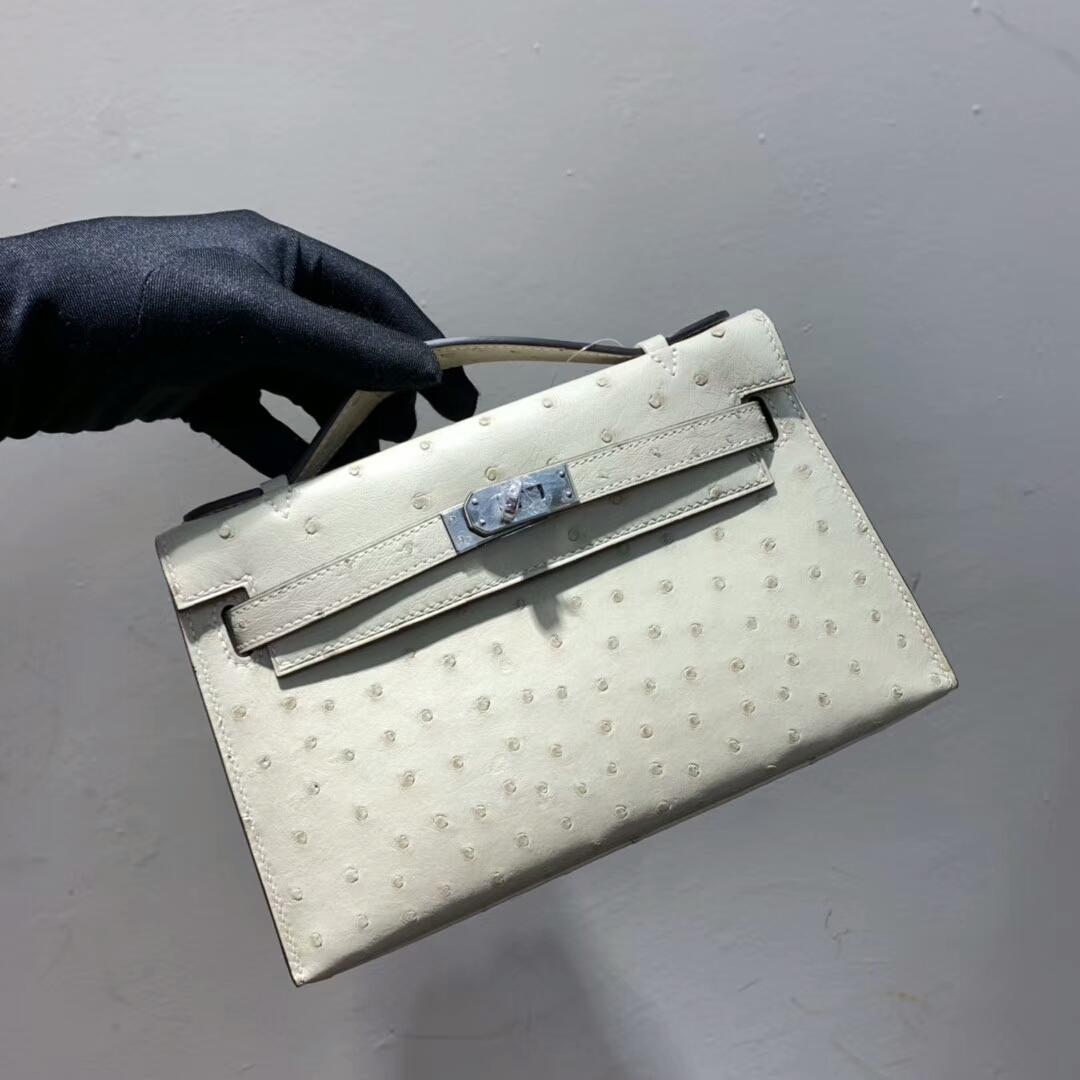 爱马仕包包 Mini Kelly Pochette 南非Ostrich 奶昔白 银扣 蜜蜡线手缝 现货秒发