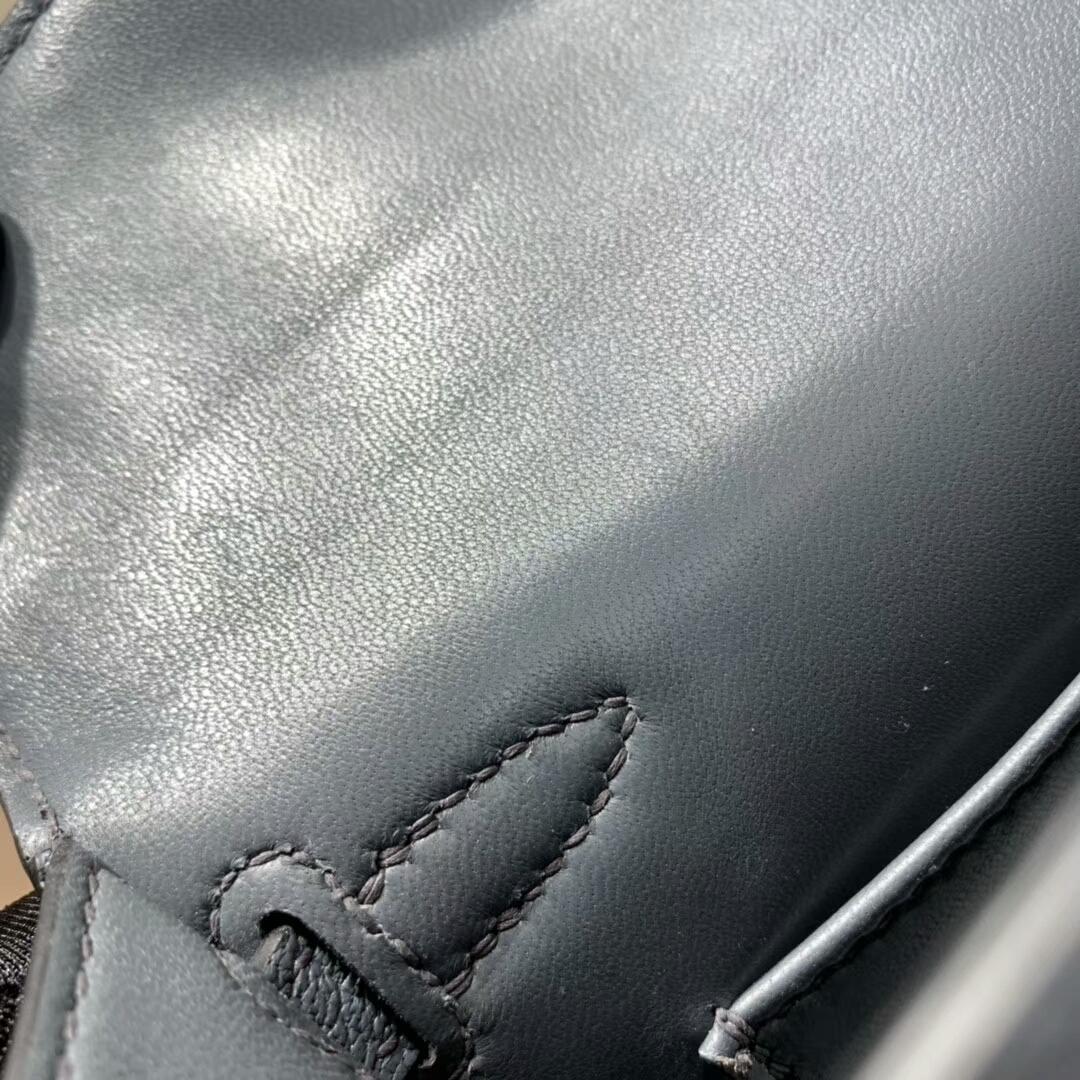爱马仕包包批发 Mini Kelly2代 19cm Chevre de Coromandel 山羊皮 N7 Blue 风暴蓝 金扣 火爆全球