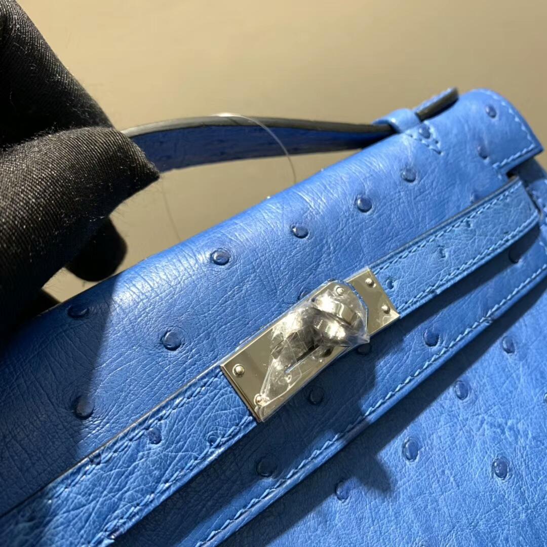 爱马仕包包 Mini Kelly Pochette 南非Ostrich 水妖蓝 金扣 蜜蜡线手缝 现货秒发