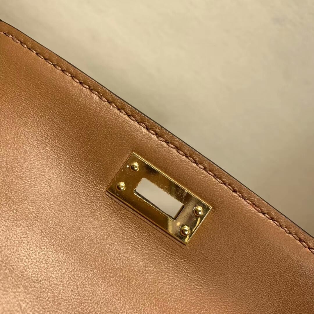 爱马仕包包批发 Mini Kelly2代 19cm Chevre de Coromandel 山羊皮 37 Gold 金棕 金扣 火爆全球