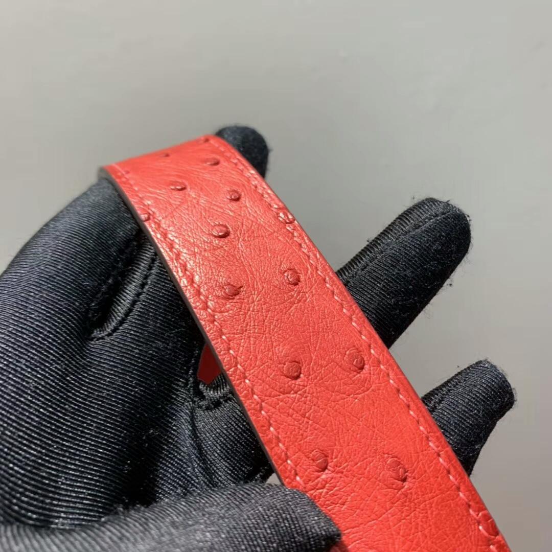爱马仕包包 Lindy 26cm 南非鸵鸟皮 国旗红 金扣 蜡线手缝