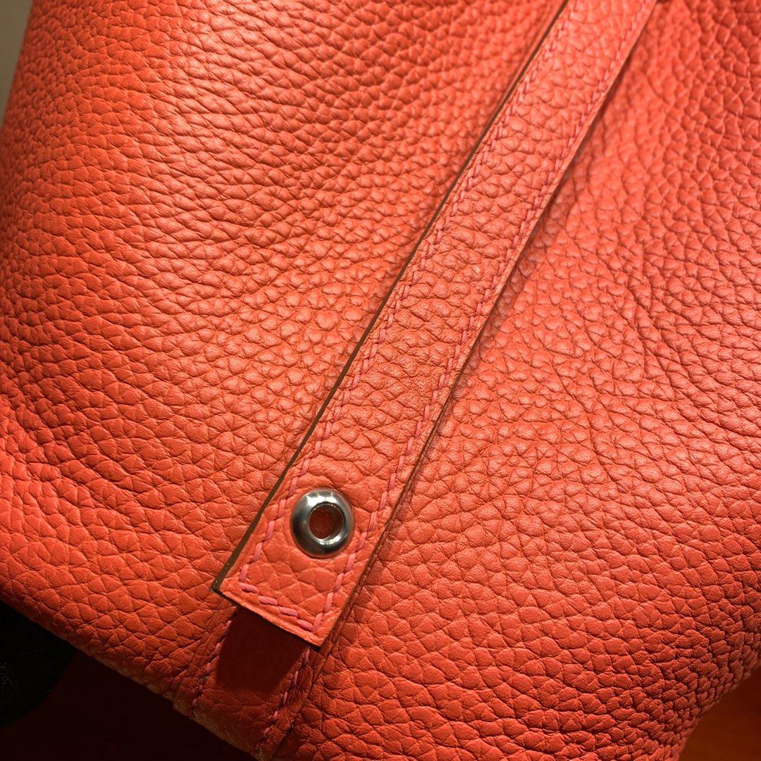爱马仕包包批发 Picotin Lock18cm 法国顶级Tc皮 L5 Crevette 龙虾粉 银扣 手缝蜜蜡线缝制