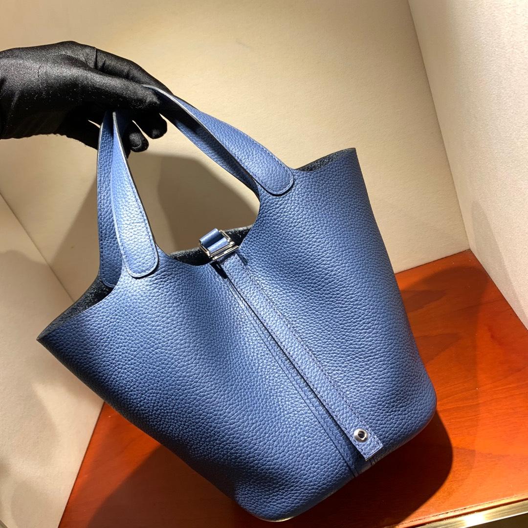 爱马仕包包批发 Picotin Lock18cm 法国顶级Tc皮 R2 Blue Agate 玛瑙蓝 银扣 手缝蜜蜡线缝制