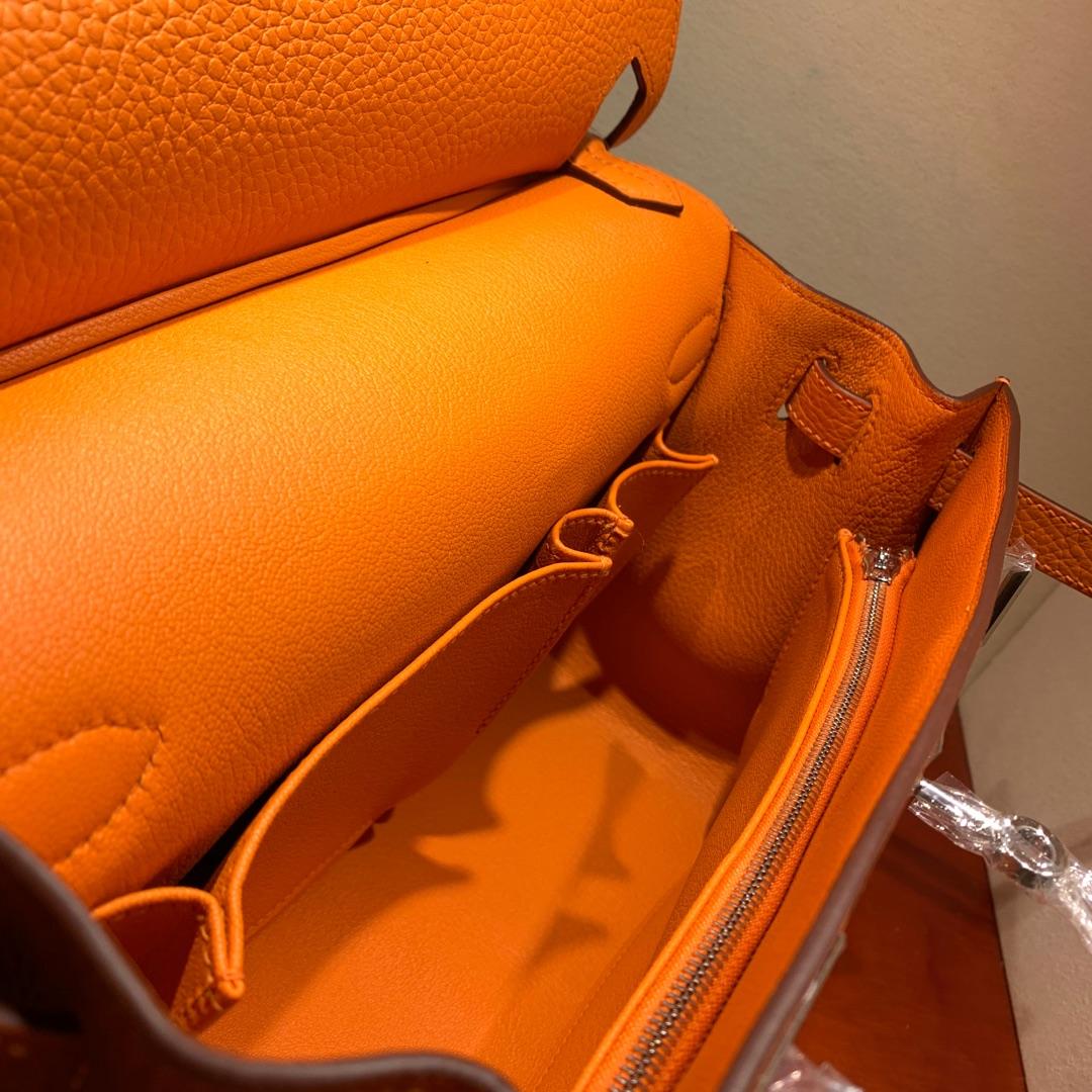 爱马仕包包 Jypsiere28cm 法国顶级clemence 93 Orange 橙色 银扣 手缝蜜蜡线缝制