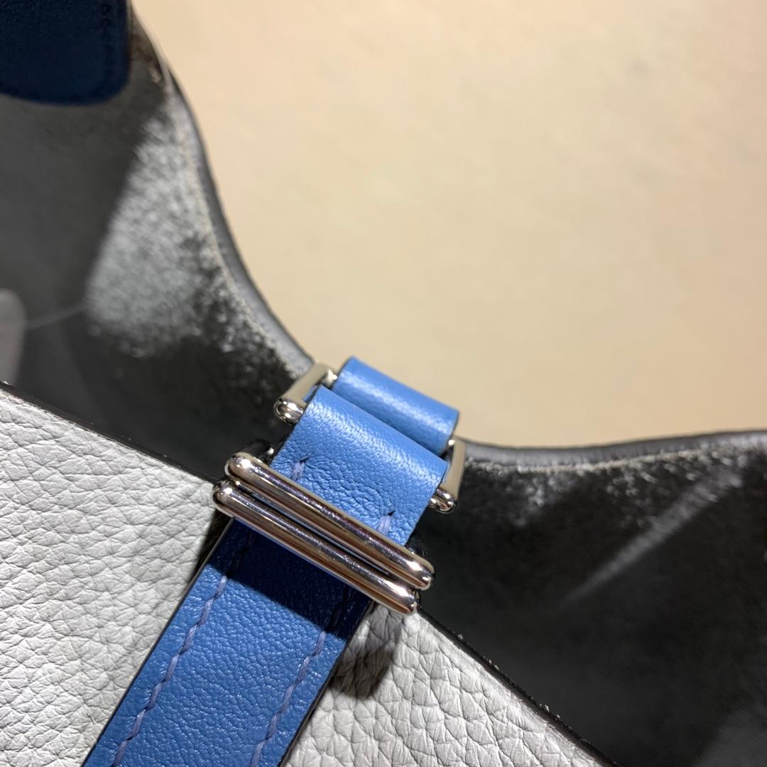 爱马仕包包批发 Picotin Lock18cm 法国顶级Tc皮 4Z Gris Mouette 海鸥灰拼 R2 Blue Agate 玛瑙蓝 银扣 手缝蜜蜡线缝制