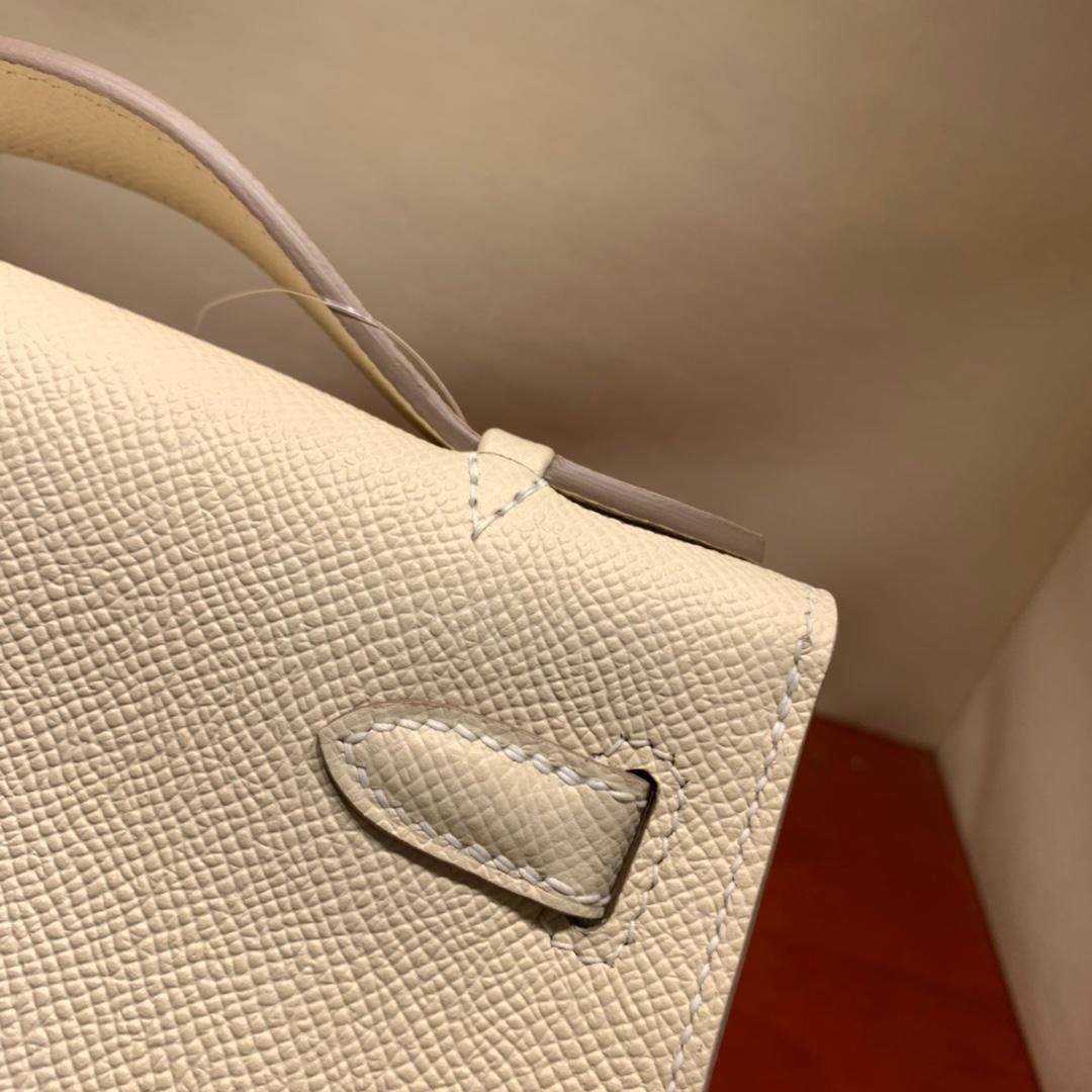 爱马仕包包批发 Kelly Pochette 22cm 法国顶级Epsom 10 Craie 奶昔白 银扣 顶尖工艺