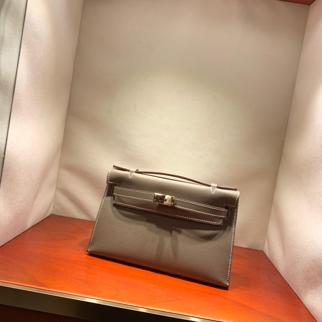 爱马仕包包批发 Kelly Pochette 22cm 法国顶级Epsom 18 Etoupe 大象灰 金银扣 顶尖工艺